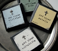 customgifts-bonnielecat-baptismplaques-forweb